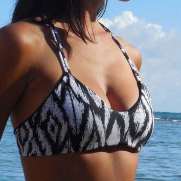 Reversible Surf Top Black and white ikat and solid black