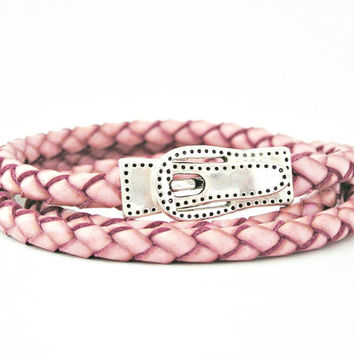 Triple wrapped rose pink braided leather simil bracelet with magnetic belt clasp