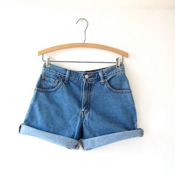 STOREWIDE SALE...vintage Levis shorts. roll up denim shorts.