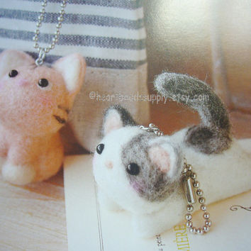 diy Needle felting kit, 2 kawaii cats, with needle wool findings, easy, craft, Japan zakka, keychain charm, id1360828 gift for diyers