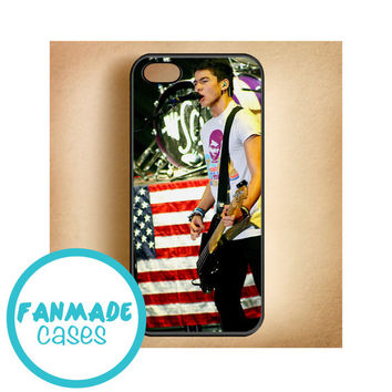Calum Hood iPhone 4/4s 5/5s/5c & iPod 4/5 Rubber Case