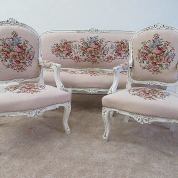 Vintage French Shabby Chic Rococo/Baroque Style Louis XV Settee And 2 Chairs