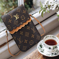 LV Louis Vuitton Fashion Women Retro Leather Crossbody Satchel Shoulder Bag Mobile Phone Package