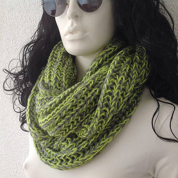 Infinity Scarf, Green Scarf, gift for her, Knitted Winter Scarf, Fashion Accessories