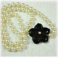 Long Pearl Necklace, Modern, Glass Bead, Bead Necklace, White Necklace, White Black Jewelry, Black Flower