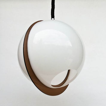 Atomic Ceiling Light - White Space Age Ceiling L& Pendant L& & Shop Atomic Age Lamps on Wanelo