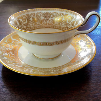 Wedgwood Florentine Teacup, Florentine Cup and Saucer, Gold and White Elegance