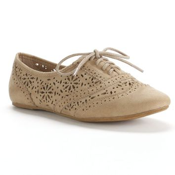 Unionbay Beige/Khaki Cutout Oxford Shoes - Women