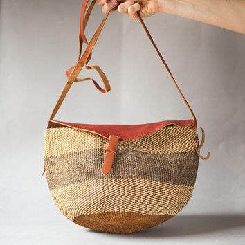Vintage Sisal Bag Small Brown. Woven Bag Ethnic Tote Boho. Woven Fiber and Leather Festival Bag. Beach Bag Striped African Style Handmade