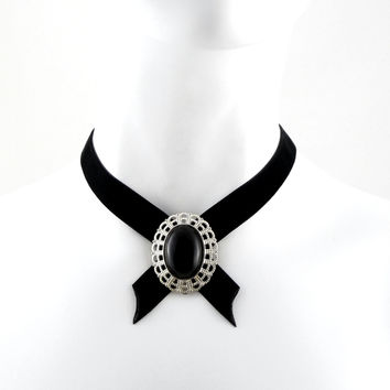 Lena - Medallion Choker with Agate Stone