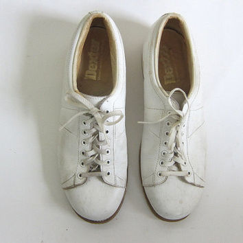Vintage white Dexter bowling shoes. Leather oxfords. Lace up shoes. men's size 10.5.