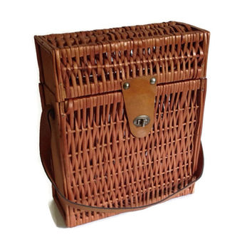 Vintage Picnic Basket-Wine Bottle-Tall-Shoulder Strap-Wicker Basket-Clasp-Summer Picnic-Dining-Carry All Basket-Brown Rattan-Cottage Chic