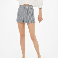 Tailored Bermuda shorts with metallic ring - Shorts - Bershka United Kingdom
