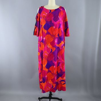 Vintage 1960s Hawaiian Maxi Dress / PRs Closet / Bright Pink Floral Print