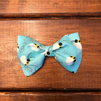 Girls blue bumble bee fabric hair bow, girls hair clip, large hair bows, bumble bee bow, blue hair bow, blue hair clip, blue bumble bee