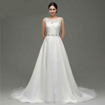 Sleeveless Scoop Neck Tulle Lace Wedding Dresses Court Train Crystals Beaded A-line Backless Wedding Gown