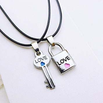 2 pcs Lovers key lock necklaces Couple's fashion pendants Valentine's Day gifts