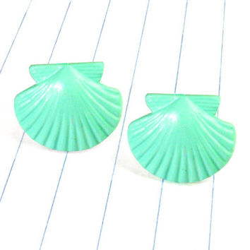 mint shell earrings - sea shell earrings - sea shell studs - sea shell jewelry - mint earrings - mint studs - mint jewelry - shells - beach