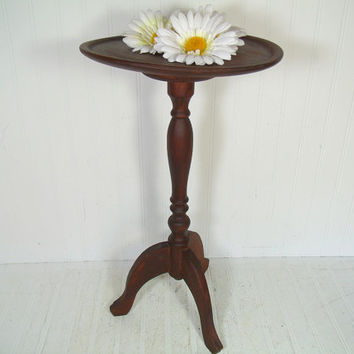 Antique Wood Round Candle Stand Table - Vintage Carved Wooden Light Weight Side Table - Colonial Style Petite Night Stand for Lamp or Books