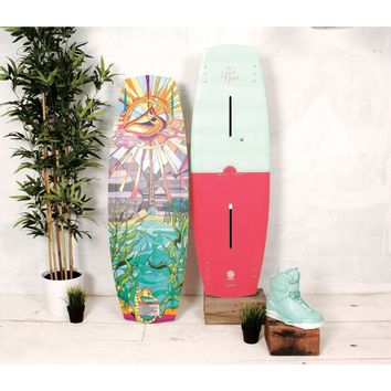 Liquid Force Melissa Wakeboard Package with Trek BLACK 4D Boots - 2017
