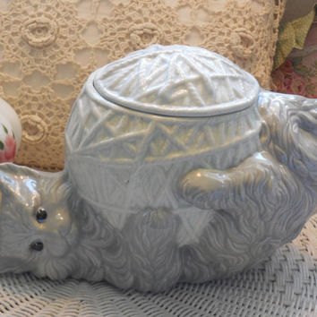 Vintage Hand Painted Cookie Jar Kitten with a Ball of Yarn.