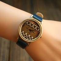 Vintage Style Watch with Waves