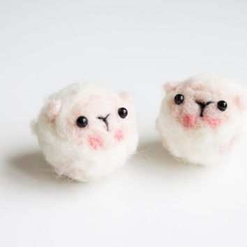 Handmade Needle Felted Wool Mini Sheep Decorations. Adorable Felted Animal. Perfect gift for baby shower, wedding, birthday, and children.