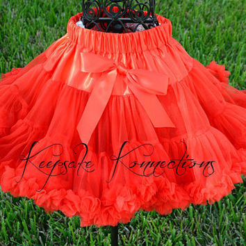 Red Pettiskirt-Red Pettiskirt Tutu-Valentines Outfit-Red Tutu-Red-Christmas-Birthday-Photo Prop-Cake Smash-Costume-Pictures-Photogropher