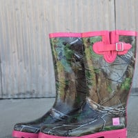 RealTree Women's Rain Boots | Mrs. Jo Jo {Hot Pink and Camo}