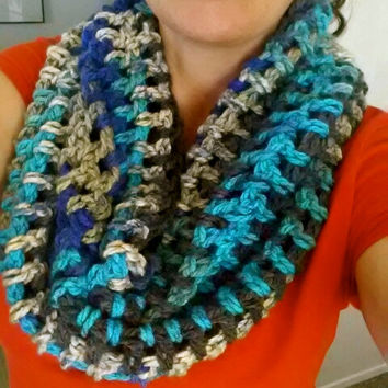 Chunky crochet cowl, crochet scarf, cowl scarf, neck warmer, winter accessories, crochet accessories