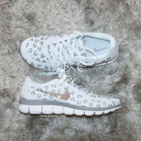 NEW print NIKE run free 5.0 v4 shoes w/Swarovski Crystals leopard White/Wolf Grey/Pure Platinum