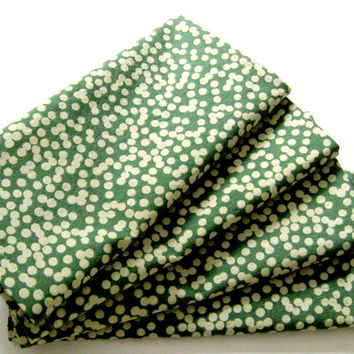 Large Cloth Napkins - Set of 4 - Green Bokeh Dots - Dinner, Table, Everyday, Wedding - Christmas
