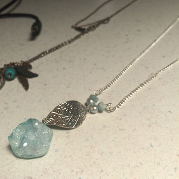 Crystal pendant with gemstone, Long chain: adjustable