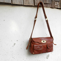Vintage Saddle Brown Leather Purse Bag // Shoulder Purse Bag // Crossbody Bag // Medium