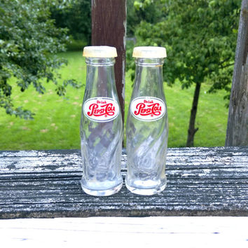 Salt and pepper salt shaker pepper shaker vintage salt pepper shakers retro shakers pepsi bottle pepsi cola pepsi vintage pepsi shaker glass