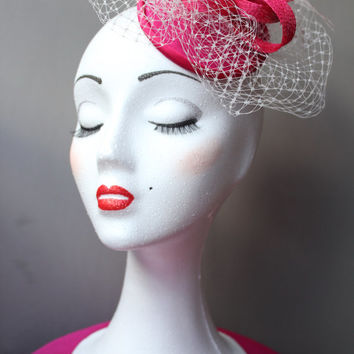 SALES-Fuchsia headdress, fuchsia fascinator hat, veil fascinator fuchsia, wedding fascinator, fuchsia headdress, mini hat feathers,