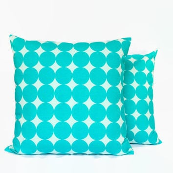 Blue and White Decorative Pillow Covers // Aqua PIllows with Circles
