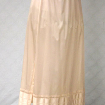Long Beige Half Slip, Slip with Satin Lace Hem, Side Slit Slip, Womens Size Medium Nylon Vintage Lingerie, Long vintage slip
