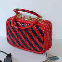 Red and Navy Stripe Woven Straw Box Purse , Vintage Box Purse Made in Hong Kong , Retro 60s Spring Summer Red Wicker Bag