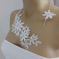 Handmade lace necklace, white bridal necklace, bridesmate necklace,  gift for her,