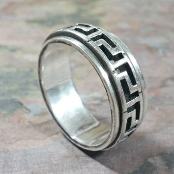 Mens Vintage Ring Sterling Silver Ring Band Greek Key Pattern Spinner Ring Exterior Center Band Spins Great Looking Ring Size 11 Unisex?