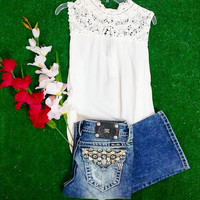 PROPER GAL LACE TOP IN CREAM