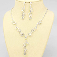 Vibrant Of Elegance Clear Silver Evening Necklace Set