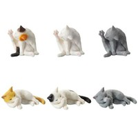 Mini Licking Cat Figures