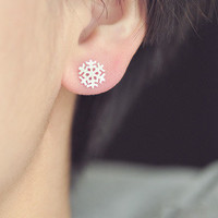 Fashion silver Snowflakes drawing stud earrings from LOOBACK FASHION STORE