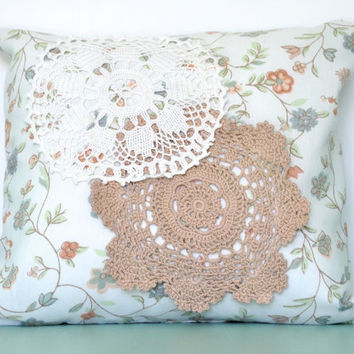 Crochet Doily Pillow, Lace Pillow, Throw Pillow, Decorative Pillow, Shabby Chic, Doily Decor, Decorative Cushion, Vintage Linen and Doily