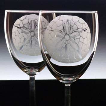 Engraved Beach WIne Glass - Set of 2 - Sand Dollars - Glassware wineglass stemware for the home