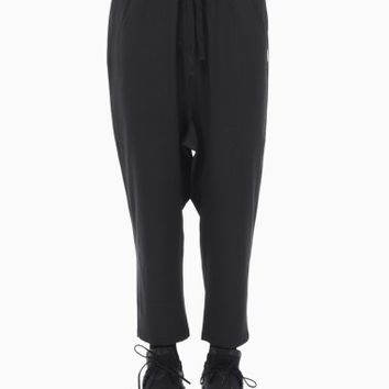 Pomeo 3/4 pants from the F/W2015-16 Silent Damir Doma collection in black