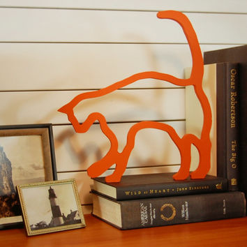 Playful cat wall or shelf decoration by @PineconeHome