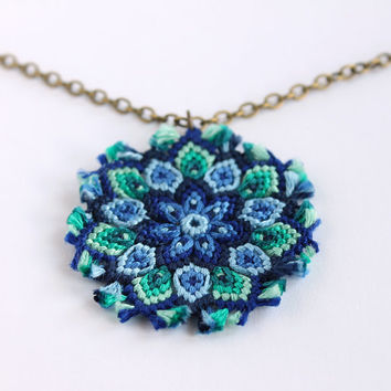 Macramè mandala flower necklace boho hippie blue aqua